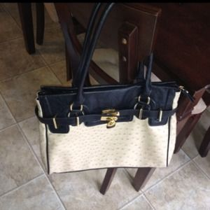 ALDO Handbags - Reserved @alexflowerz Tan & Black Structured Bag