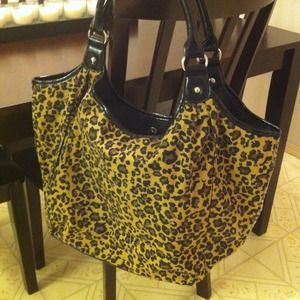 Handbags - 🔥Price to move cheetah purse🔥