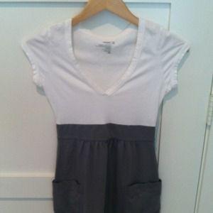 Old Navy Dresses & Skirts - Reserved @nicolec0625 2 Dresses