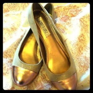 Jennifer Lopez Shoes - Jennifer Lopez Flats