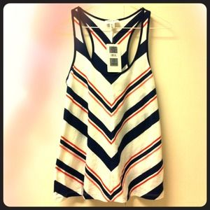 Tops - Brand New w/ Tag✨Chevron Flowy Cotton Top