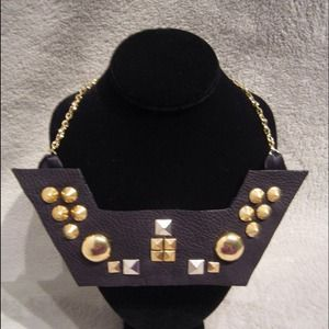 Jewelry - 💥💥REDUCED💥💥 Studded Necklace