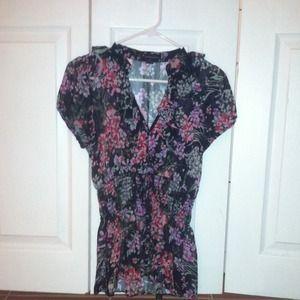 Forever 21 small, ruffle v neck blouse.