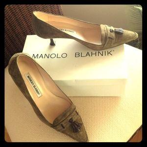 Manolo Blahnik Suede kitten heel