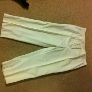 Burberry Pants - 🆕 without tags  Burberry capri