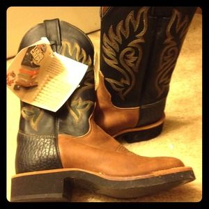 Boots - NWT Cow Girl boots