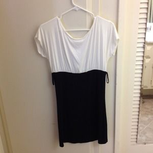 Dresses & Skirts - Black and white color lock dress