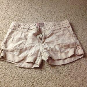 Khaki linen cuffed shorts