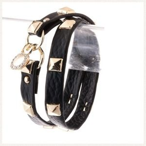 082561 Jewelry - 💢BRAND NEW💢Wrap Leather Bracelet