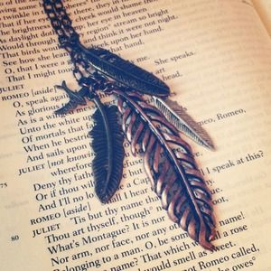 Jewelry - Mixed Metal Leaf Necklace