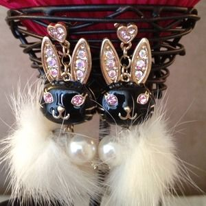Anna Sui Jewelry - Sold:)blondiedNew Black&white mink fur&crystal bun