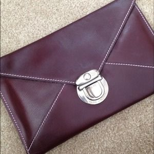 Marc Jacobs Clutches & Wallets - ⬇Marc Jacobs envelope clutch