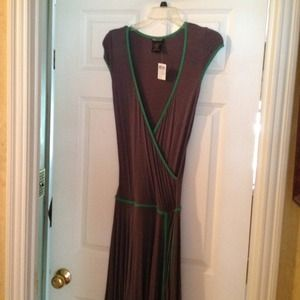 NwT wet seal gray jersey wrap dress. Sz medium