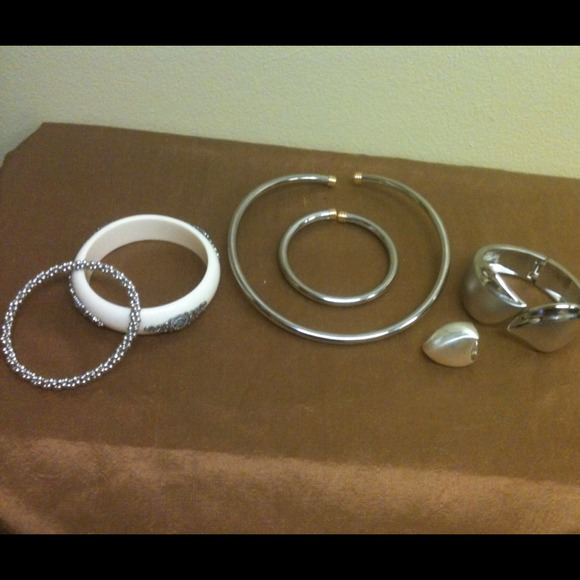 Jewelry - VINTAGE! 6 PC  JEWELRY BUNDLE
