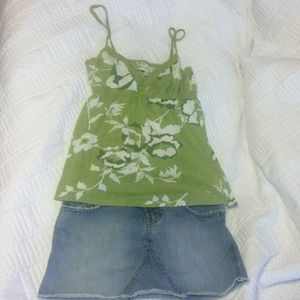 Abercrombie & Fitch Tops - Stretch floral print Abercrombie and Fitch tanktop