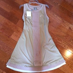 🎾new🎾Tennis Dress, NWT, Size Small, Nike🎾🎾🎾