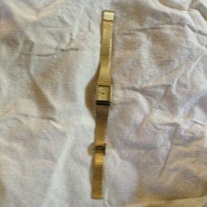 Jewelry - Quartz Embassy Gold Watch
