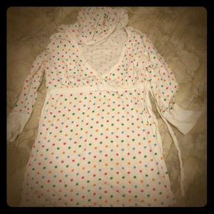 Tops - Colorful polka dot 3/4 sleeve hooded v neck shirt