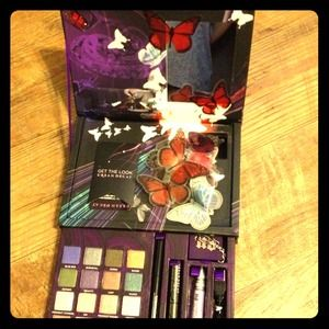 urban decay Accessories - Urban Decay Book of Shadows 4 RESERVED