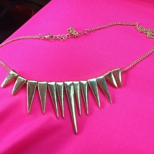 Jewelry - SOLD❌❌Gold spiked statement necklace