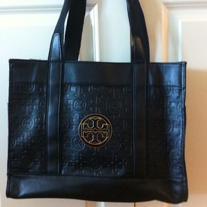 Tory Burch Handbags - •RESERVED• Tory Burch tote bag