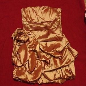 NWOT GOLD PARTY DRESS