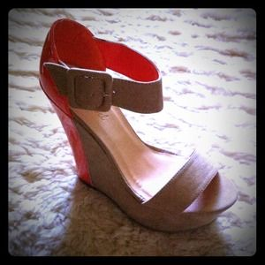 🎀khey's pick Shoes - 💢Please READ Description💢Lyann's Wedges