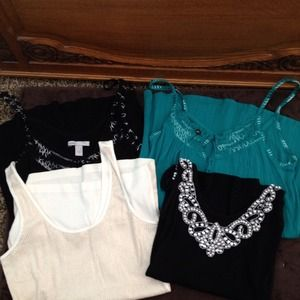 Tops - 🎉Sold to @colt🎉 Bundle of tank tops