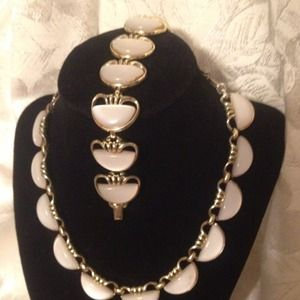 Jewelry - Vintage necklace and bracelet (Reduced)