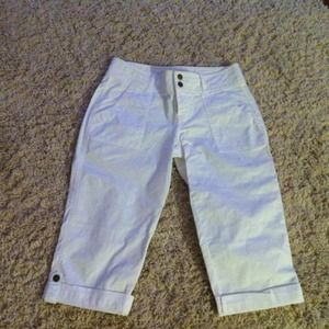 NWT - White crop pants