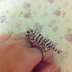 Jewelry - Tiger double ring
