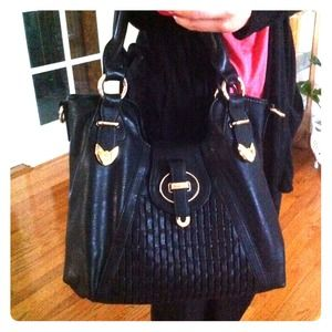 Handbags - Black Handbag w/ Hint of Gold