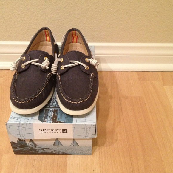 Sperry Top-Sider Shoes - Brand New Top-Sider Navy Shoes - price reduction!