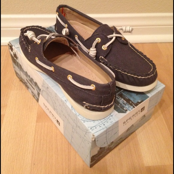 Sperry Top-Sider Shoes - Brand New Top-Sider Navy Shoes - price reduction! 2