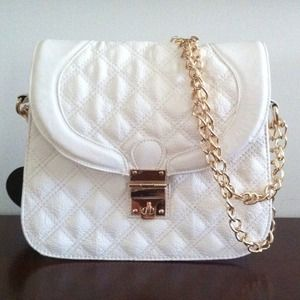simple elegance Handbags - Classic Quilted Purse