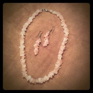 Jewelry - Light pink stone necklace set