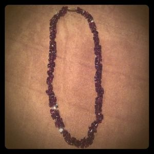 Jewelry - Dark maroon rock necklace