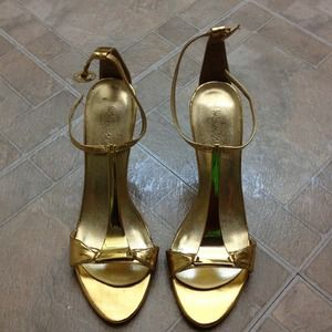Shoes - Gold heels