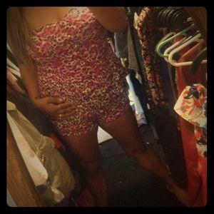Dresses & Skirts - Jumpsuit/strapless cute flower outfitt