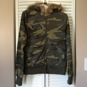 Tops - for @702mom - Faux fur lined camo hoodie.
