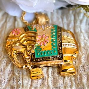 Jewelry - Elegant Elephant Necklace