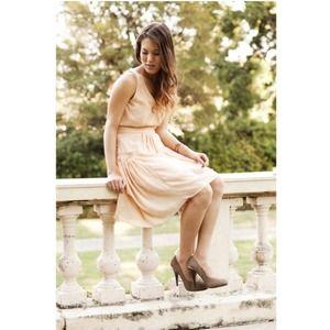 Dresses & Skirts - Shannon