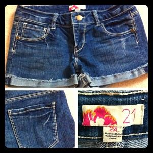 Forever21 denim shorts! Size 24