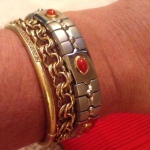 Jewelry - New Two tone silver w/stones Stretch bracelet