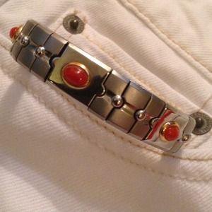 NWOT Silver stretch bracelet w/ beautiful stones.