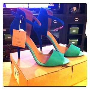 RESERVED @fashionjen / Zara Basic Sandal-blue/teal