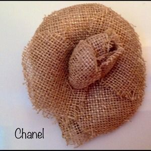 CHANEL Accessories - 🌟RESERVED🌟Chanel Camellia Beige Linen Brooch Pin