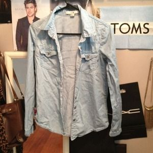 Tops - Light washed denim shirt