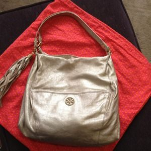 Tory Burch Handbags - REDUCED!!! TORY BURCH DEAN.. NEW! Gorgeous!!