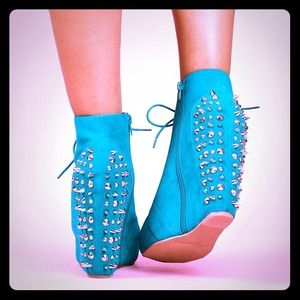 khey's pick Boots - Bootielicious Spike